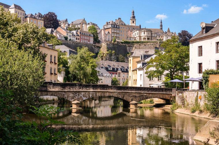 luxembourg-grund-_c_reinhard_tiburzy-shutterstock_150268928-85086